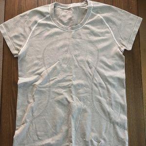 lululemon Swiftly Tech Short Sleeve Crew Size 10